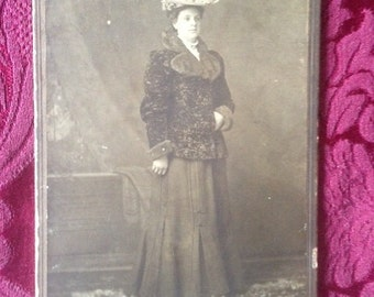 Vintage photo woman Chicago cabinet photo 1890s 1900s antique photo