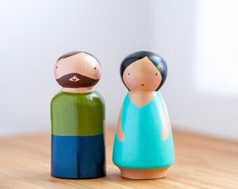 Wooden Peg Dolls/ Wooden Toy/Cake topper/Family Peg Dolls/Dolls/Collectibles/