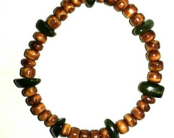 Green and brown elastic bracelet