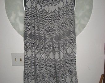 Forever 21 Strapless Black and White Long Dress