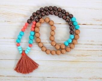 Necklace style Mala wood