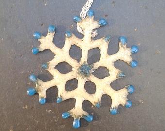 Vanilla and Blue Dot Snowflake