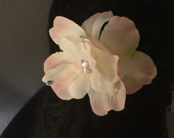 Hair ornament with fabric flowers