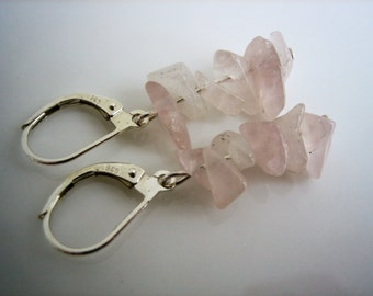 Silver earrings with rose quartz gemstone chips