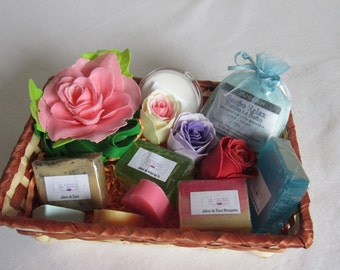 Gift basket with natural soap and bath salts