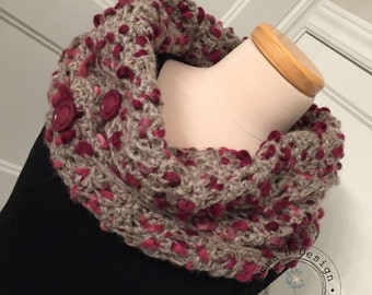 Snood / neck with big decorative buttons, handmade, crochet, in a fancy wool