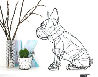 wire sculpture of French bulldog