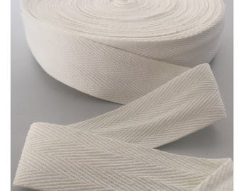 32MM Cream HERRINGBONE COTTON TAPE 0.8mm Thick. Twill Tape, Webbing, Straps, Belts, Decoration, Bunting, Sewing, Dress Material.