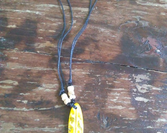 Surfboard Necklace (yellow)