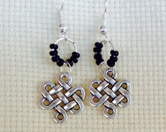 Infinite knot earrings