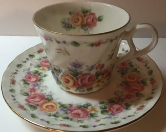 Keito Bon Exceed vintage rose floral teacup and sauce