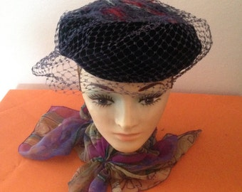 Ladies Vintage Hat with Feathers