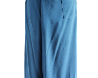 Women in Teal Wraparound Trousers/Summer Trousers