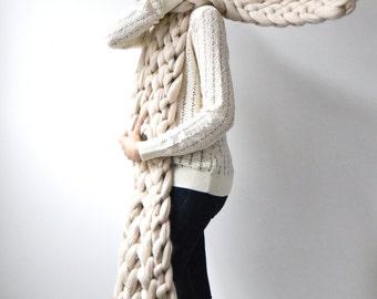 Extra large Merino chunky Scarf. Big yarn scarf. Thick Yarn. Extreme knitting. French knit.