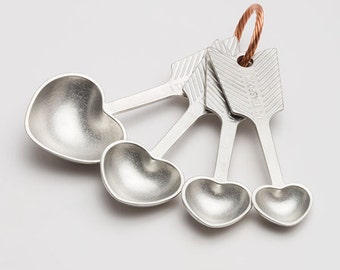 beehive heart measuring spoons, pewter, measuring spoons, tablespoons, kitchenware, gift for cooks,baking,cooking,kitchen,valentine's, arrow