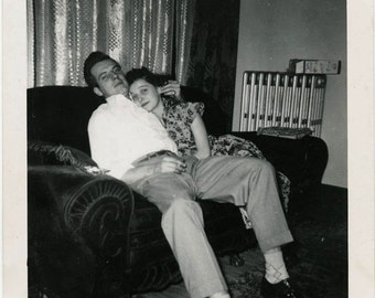 vintage photo 1950s How Sweet Lovey Couple on Couch snapshot photo