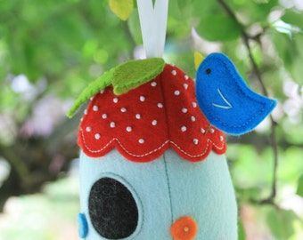 Bird House : house sewing pattern, house pincushion, felt house, birdhouse pattern, pin cushion pattern, embroidery