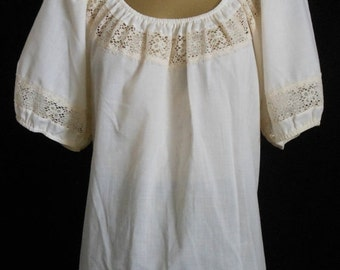 JULY SALE Vintage 60s Peasant Blouse, 1960s Off White Ecru Puff Sleeve Top with Inset Lace by Carefree Fashions, Size L Large