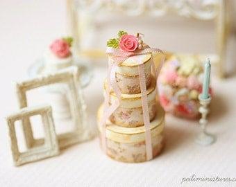 1:12 Dollhouse Miniature Flora Round Victorian Gift Boxes