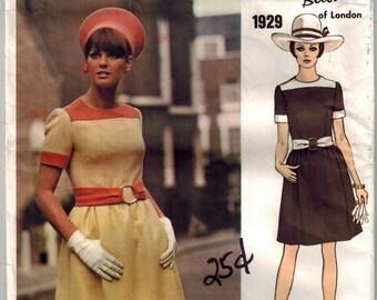Vintage Mod 60s Vogue 1929 Sewing Pattern Couturier Design One Piece Dress Oval Neckline Contrast Bands and Belt Color Block Dress Bust 34