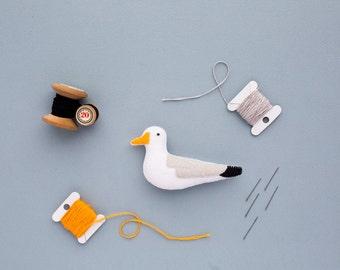 felt seagull brooch - handmade bird accessory - seagull jewellery