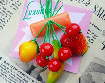 Fruity fruit salad! Handmade 40s 50s Orange bakelite fakelire style novelty fruit salad brooch by Luxulite