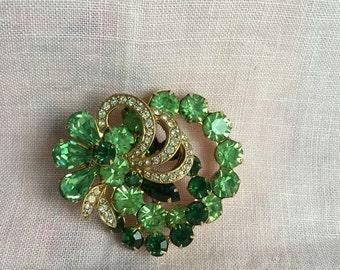 Vintage Signed EISENBERG ICE Green Crystal Flower Gold Tone Brooch C.1950
