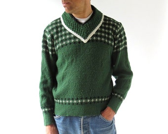 Vintage 1950s Sweater / Men's Sweater / Forest Green / 50s Sweater / Medium M