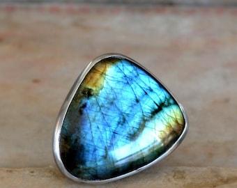 Labradorite gemstone ring, sterling silver ring, statement ring, gift for her, large stone ring, artisan ring, blue green stone ring, size 8