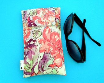 Roomy Sunglasses Case in a Design of Coral and Lavender Flowers