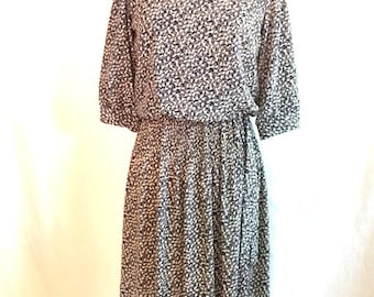 Vintage NAVY And White FLORAL Dress With Quarter Sleeves / Womens Medium Large