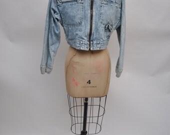 vintage denim jacket vintage jean jacket womens early 1990s light denim liz wear claiborne