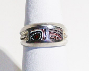 Beautiful, Sterling Silver Ring with Groovy 1960's, Detroit, Motor-City Agate, Fordite Inlays ~ mrfeld ~ FR111