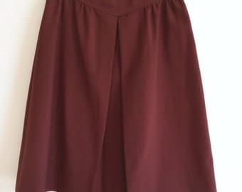 Brown A-Line Skirt / Knee Length V Front Pleated Skirt / 70's Skirt Size Large / XL