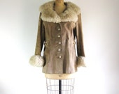 1960s Vintage Mod Coat Faux Fur Collar & Cuffs Tan Suede Peacoat M