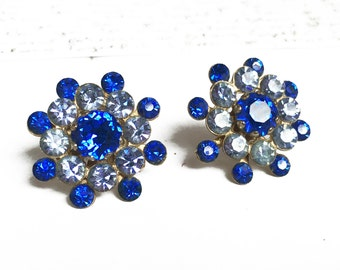 Vintage Blue Rhinestone Earrings, Blue Screw Back Earrings, 1950s Jewelry, Something Blue Jewelry, Something Blue Wedding, Fancy Earrings