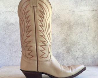 Vintage cowgirl boot size 7 B (fits up to 7.5 - 8) cream colored leather bench made women's Nocona tall cowboy boot, boho Western boot