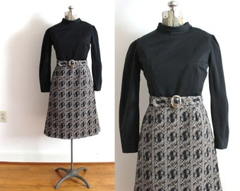 70s Dress / 1970s 60s Mod Black and White Paisley Autumn Dress