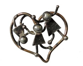 KIDS HEART vintage pin lapel brooch badge Girls Love Fun Playing