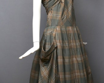50s CAROLYN SCHNURER rare plaid cotton wrap front full skirted halter DRESS play wear exaggerated pockets large xl size vintage 1950s