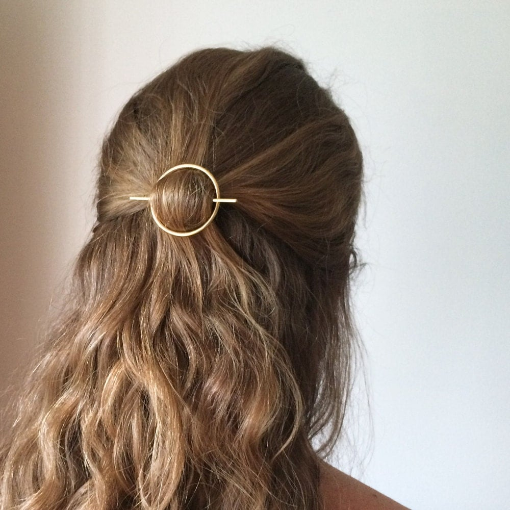 Explore Anthropologie's unique collection of Hair Accessories, featuring the season's newest arrivals.