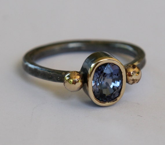 Natural 1.10ct  Blue Sapphire Oxidized Sterling Silver And 18K Gold Ring SZ 6.25