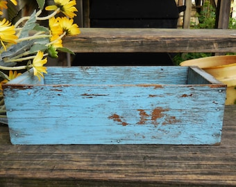 Vintage wood box Primitive Chippy blue paint storage organize rustic shabby French country farmhouse