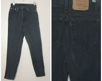 Black Levis Mom Jeans Small 26 High Waisted 90s Grunge Tapered Ankle High Rise
