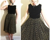 Vintage 1950s Party Dress in Black Velvet and Gold / 50s Black and Gold Cocktail Dress / Medium