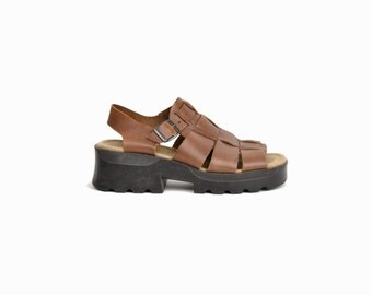 Vintage 90s Platform Leather Fisherman Sandals / Brown Leather Sandals / Platform Shoes - women's 10