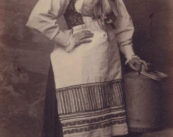 Milk Maid, Cabinet Card by Herr Mahlknecht of Vienna, circa 1890s