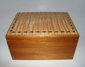 "Premium Inlaid and Upholstered Handcrafted Tiger Maple Keepsake Box. 9"" x 7"" x 5"""