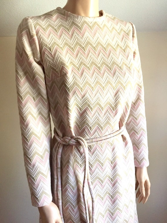 Vintage 60's mod dress chevron zigzag dress pastel pink geometric space age dress long sleeve S/M