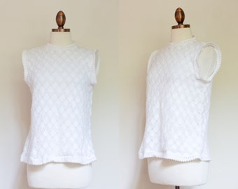 vintage 1970s white woven top / 70s sleeveless woven acrylic sweater top / 42 M
